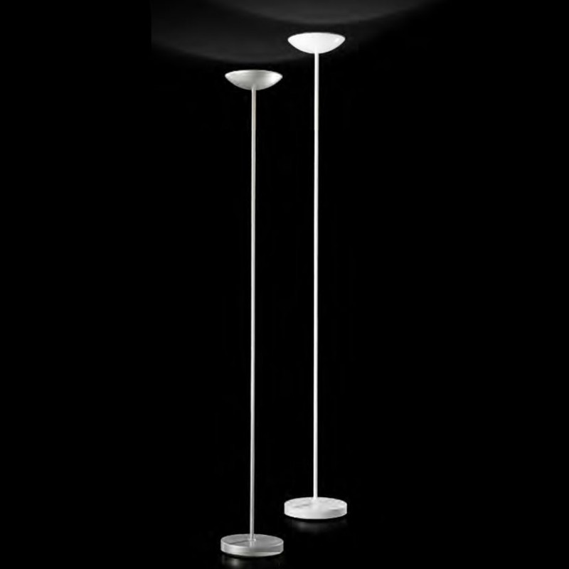 lampada a terra in metallo bianco o argento