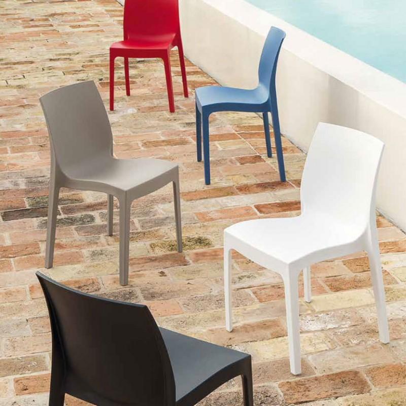 Sedia Jo con scocca in polipropilene opaco, disponibile in cinque variazione di colori