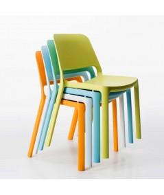 Sedia Nuke in polipropilene per esterno impilabile diversi colori