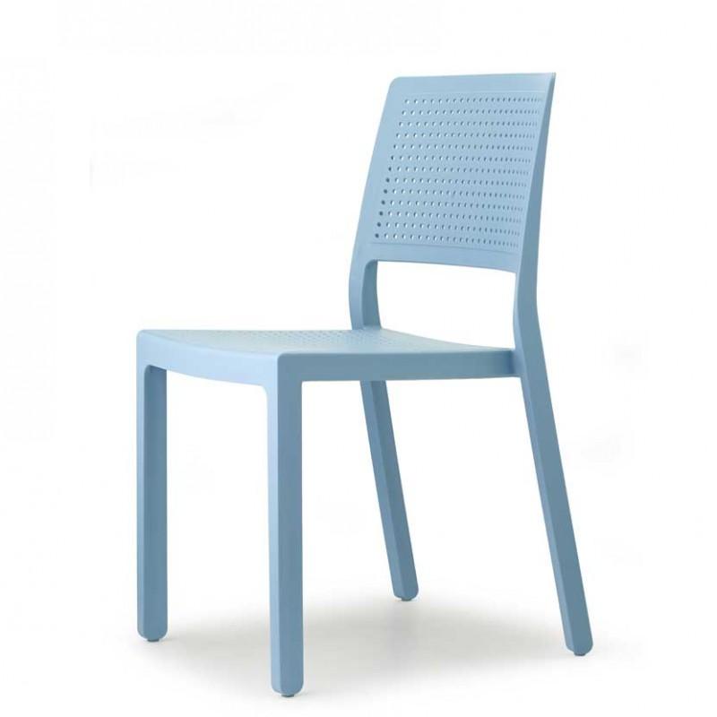 Sedia Emi da esterno di color azzurro