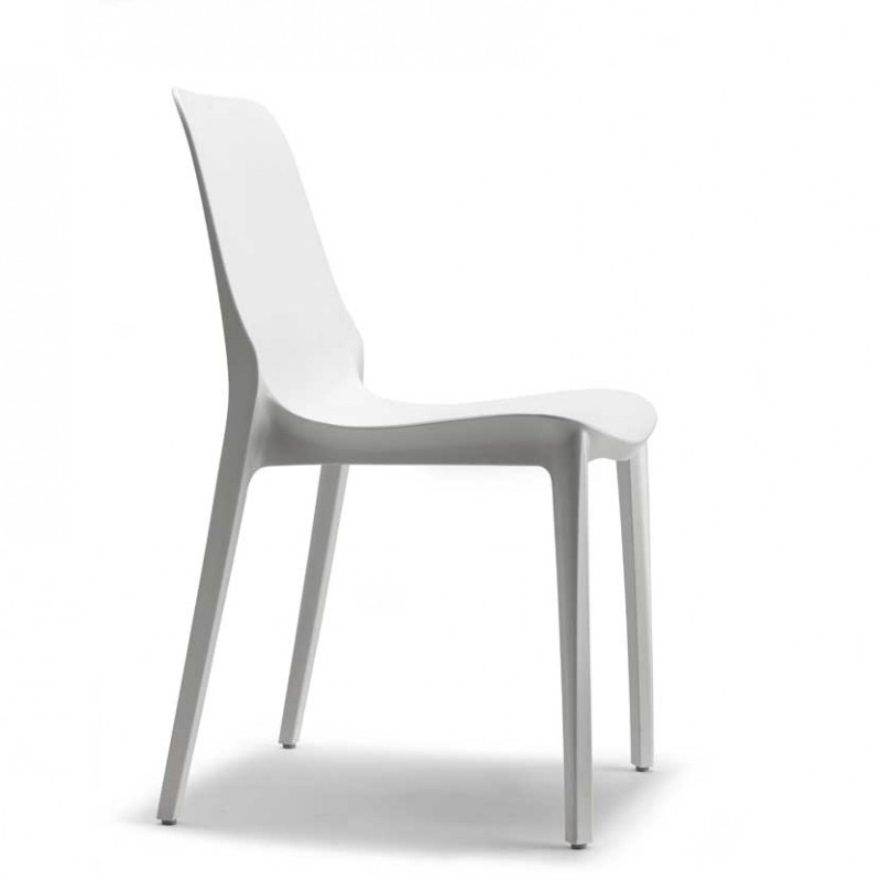 Sedia Ginevra per interni ed esterni realizzata in  tecnopolimero di colore lino