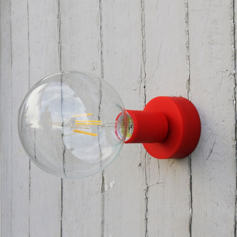 Lampada applique Il Muro Siliconico E27 di filotto in silicone rosso ambientata