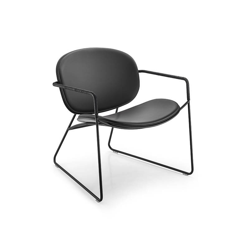 sedia con braccioli tondina lounge nera ecopelle