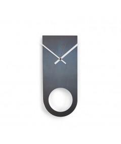 orologio in metallo e ferro nero di dESIGNoBJECT