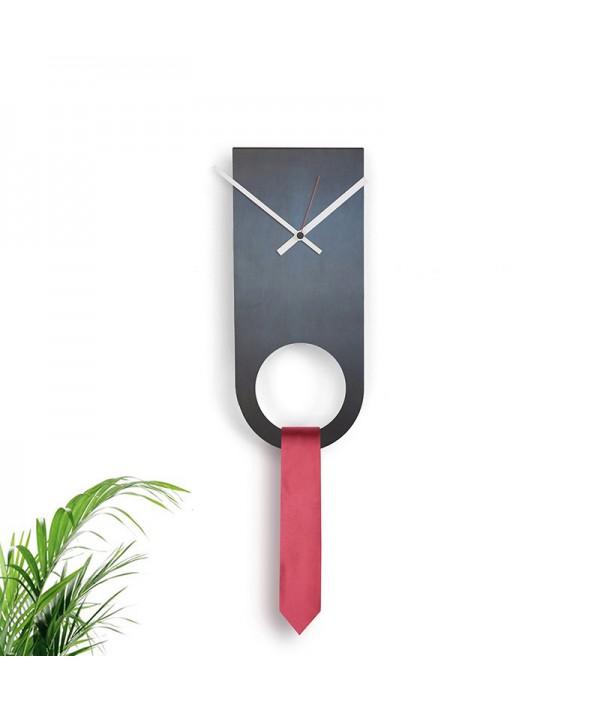 rologio a parete in metallo e ferro nero di dESIGNoBJECT porta cravatte