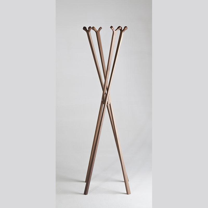 appendiabiti da terra girotondo di caon arreda in legno massello