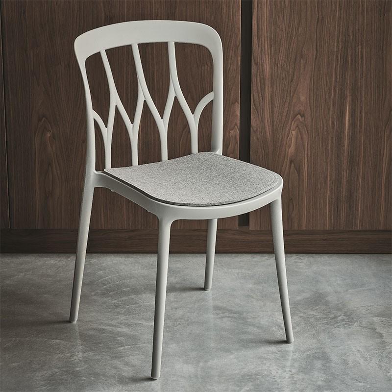 sedia gipsy di bontempi casa in polipropilene colorato e fibra di vetro riciclabile bianca