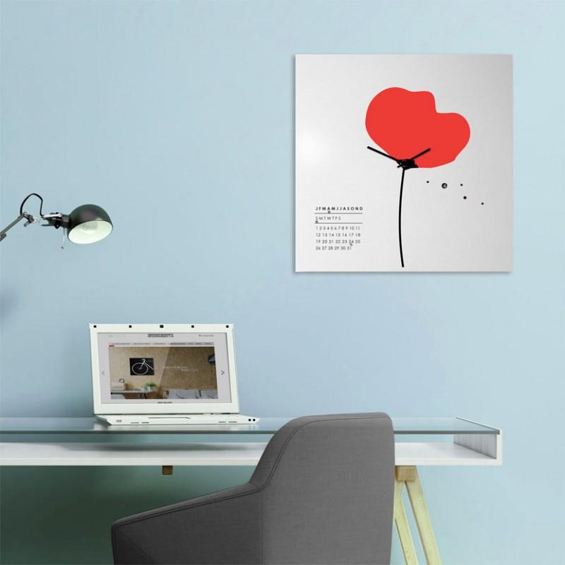 Papavero Orologio-Calendario perpetuo su lamiera di metallo serigrafata a mano, foto ambientata