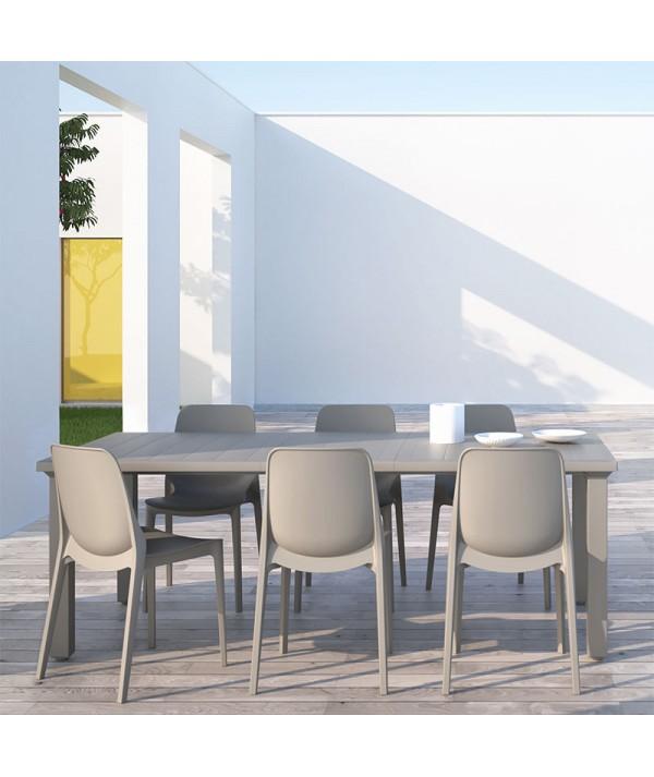 Tavolo Allungabile Per3 di scab con gambe in allumino e piano in tecnopolimero tortora ambientato