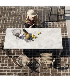 tavolo Pranzo allungabile di scab in metallo tortora con piano in stratificato HPL effetto pietra