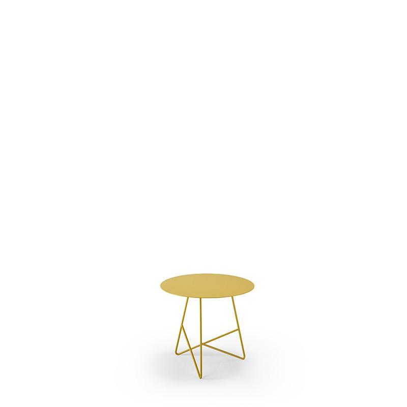 tavolino per esterni ermione di meedesign in acciaio giallo